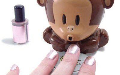 Małpka wysuszy Ci paznokcie :)