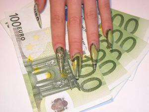 euro-money-nail-design-art