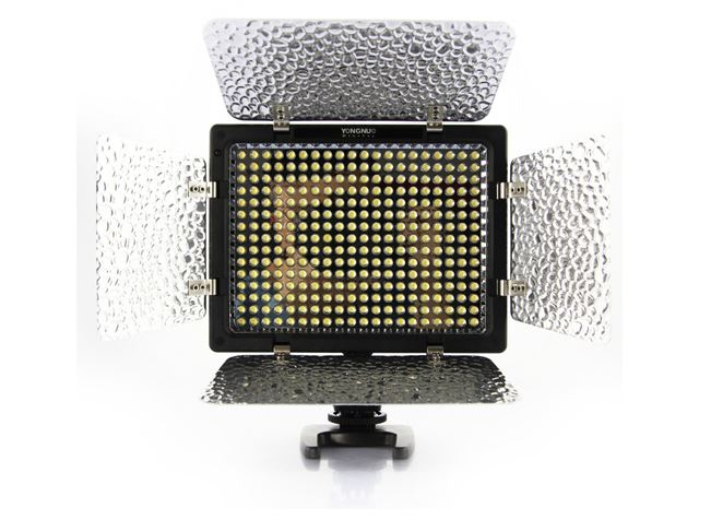 Pro YN-300 Barndoor LED Video Light