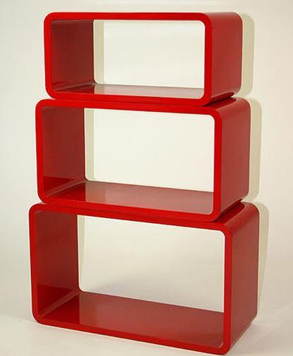 czerwona półka retro