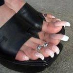 Podobają ci się takie długie paznokcie u stóp??