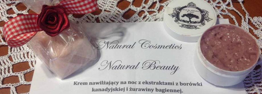 krem nawilżający z ekstraktami z borówki kanadyjskiej i żurawiny bagiennej Natural beauty