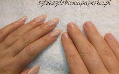 Manicure hybrydowy i formy QNS. Szybki i prosty sposób na piękne paznokcie
